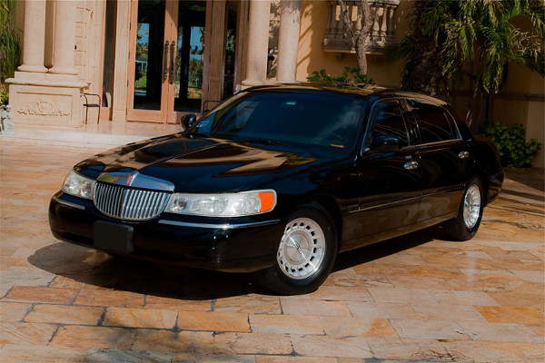 lincoln stretch limo 1 Tulsa